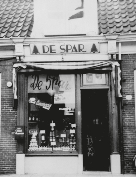 1932: nasce in Olanda Spar, da cui prenderà vita Despar Italia